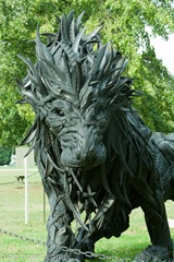 Lion, made with tyres