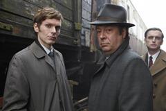 Endeavour: Morse (Shaun Evans) and Thursday (Roger Allam) (c) ITV