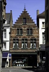 Bruges Merchant house (stacked)