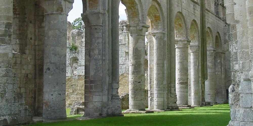 Abbaye de Jumièges: the nave